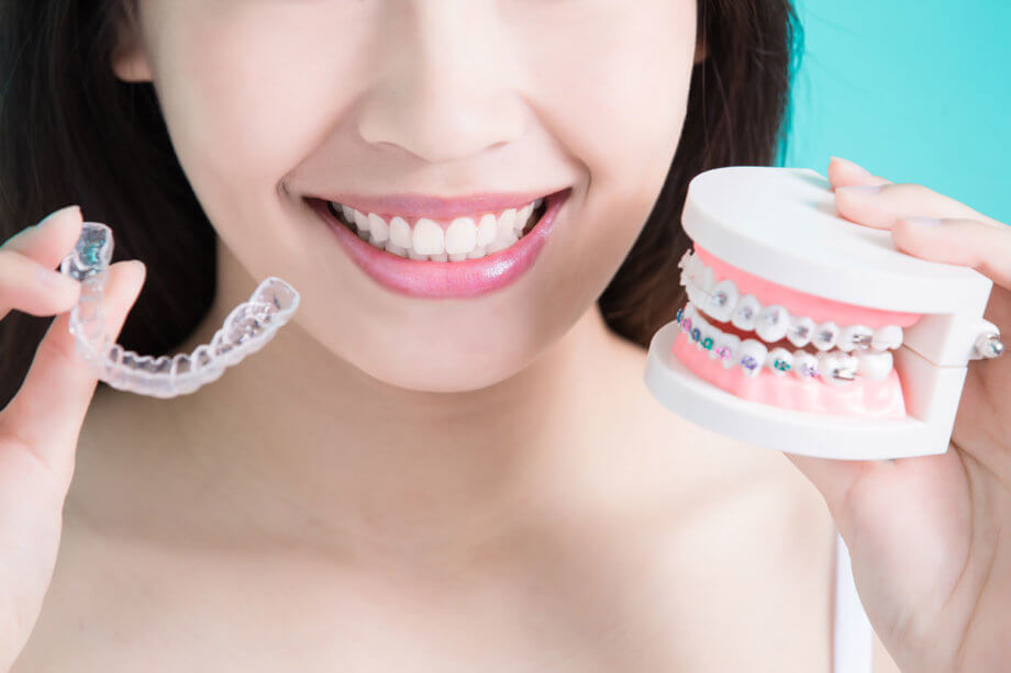 Invisalign vs Traditional Braces: Which is Right for You?